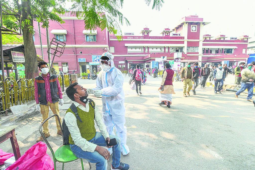 दिल्ली, गुजरात में हालात बदतर