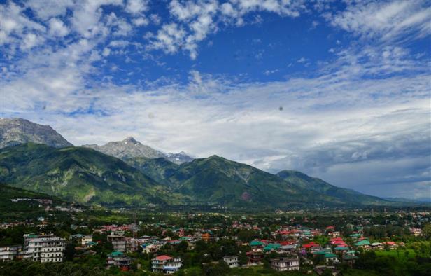 कोरोना का कहर : हिमाचल सरकार में अब फाइव डे वीक, शनिवार को वर्क फ्राम होम!