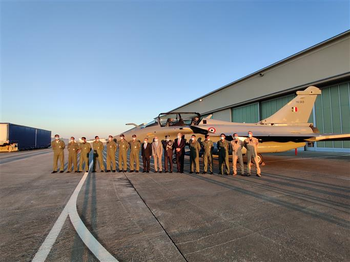 फ्रांस से भारत के लिये उड़े 5 राफेल, अंबाला एयर फोर्स स्टेशन पर होगी तैनाती!