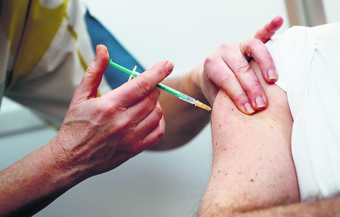 देश में 6 दिनों में 10 लाख लोगों को लगे कोरोना टीके, अमेरिका और ब्रिटेन से भी ज्यादा