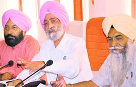 कृषि कानूनों पर विवाद के बीच सुप्रीमकोर्ट की 4 सदस्यीय समिति से हटे भूपेन्द्र सिंह मान!
