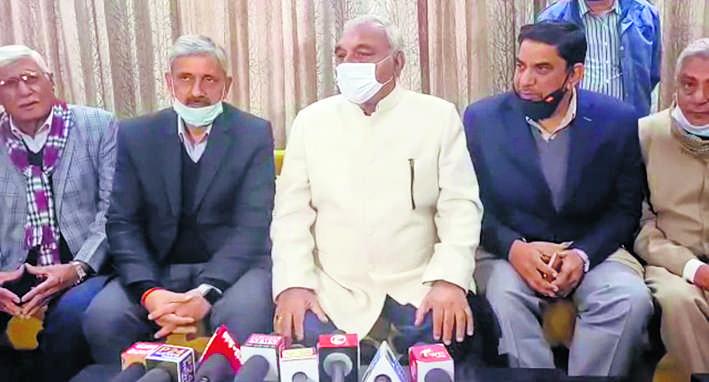 अभय चौटाला इस्तीफा देकर बचाना चाहते हैं सरकार : हुड्डा