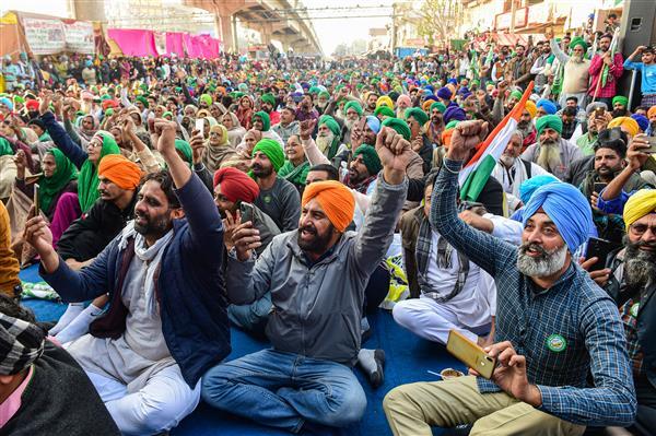37 किसान नेताओं पर एफआईआर; योगेंद्र यादव, बलबीर राजेवाल, राकेश टिकैत, बलदेव सिंह सिरसा समेत कई लोगों के नाम!