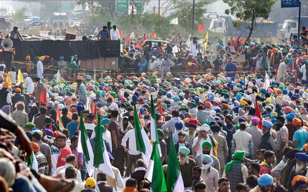 किसान 26 जनवरी को दिल्ली की सीमाओं पर ही करेंगे ट्रैक्टर परेड, राजधानी के भीतर नहीं!