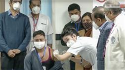 देश में कोरोना का टीकाकरण अभियान शुरू