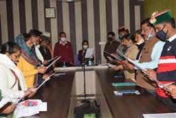 बबली देवी बनीं हमीरपुर की जिला परिषद अध्यक्ष, नरेश कुमार दर्जी बने उपाध्यक्ष