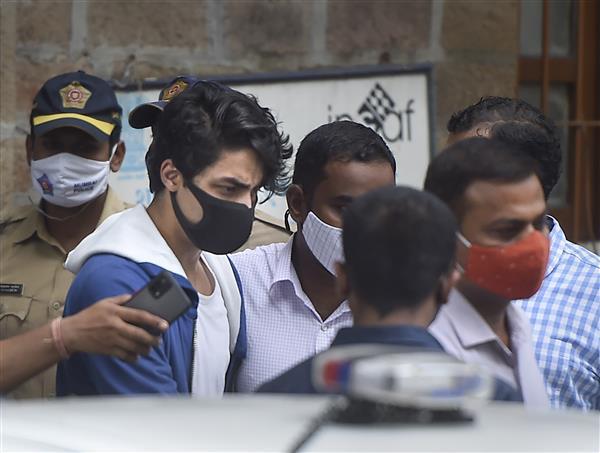क्रूज ड्रग पार्टी : शाहरुख खान के बेटे आर्यन खान को 20 अक्तूबर तक रहना होगा जेल में, ज़मानत याचिका पर कोर्ट ने फैसला सुरक्षित रखा
