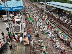 रेल रोको से उत्तर रेलवे मंडल में 130 स्थानों पर असर, 50 ट्रेनों की आवाजाही बाधित
