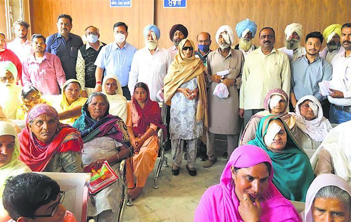 बठिंडा में 176 मरीजों की आंखों की जांच