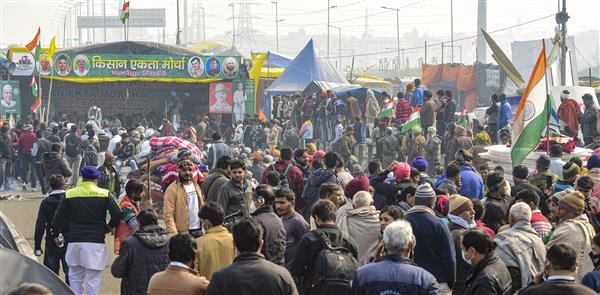 गाजीपुर बॉर्डर पर किसानों की गिरफ्तारी और टिकरी बॉर्डर पर नोटिस के बाद दिल्ली पुलिस से नाराज़ संयुक्त मोर्चा!