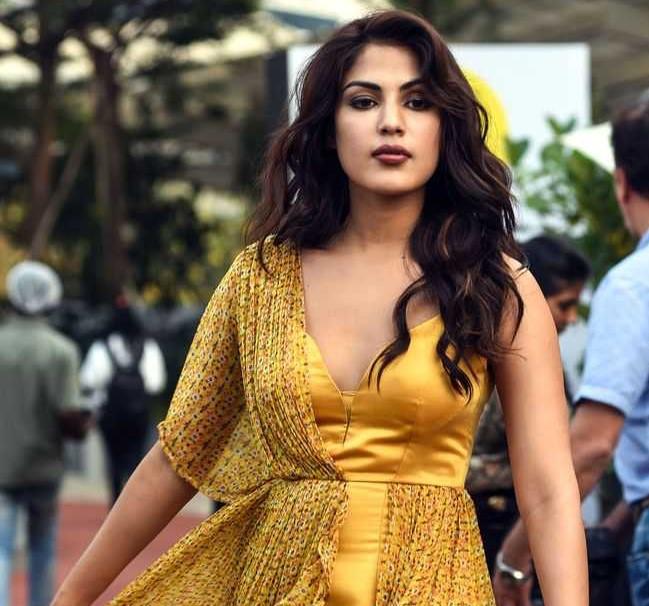 रिया चक्रवर्ती 7 महीने बाद पहली बार आयीं इंस्टाग्राम पर... महिला दिवस पर शेयर की पोस्ट, फैंस ने किया जमकर स्वागत!