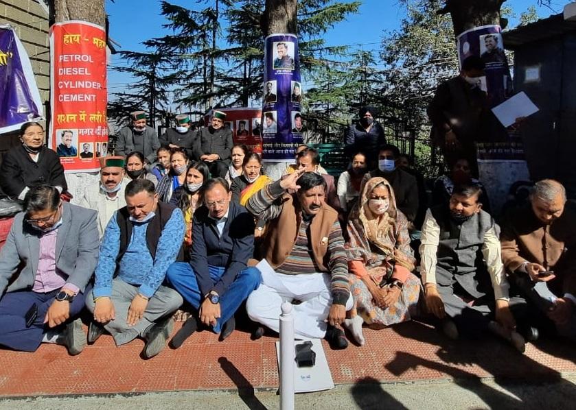 हिमाचल विधानसभा में 5 कांग्रेस विधायकों का सदन से निलंबन खत्म, गतिरोध समाप्त!