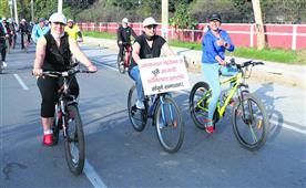 साइकिल रैली निकाल बहरेपन को लेकर किया जागरूक