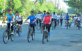 200 महिलाओं ने की साइकिलगीरी