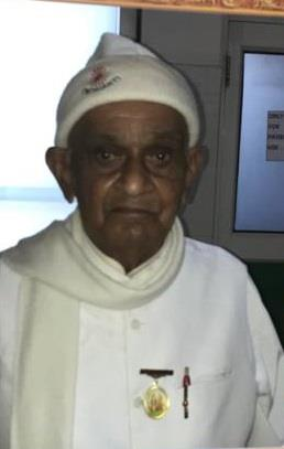 पं. जवाहरलाल नेहरू की सुरक्षा टीम के सदस्य रहे 96 साल के विश्वंभर दयाल वार्ष्णेय ने लगवाई कोरोना वैक्सीन!