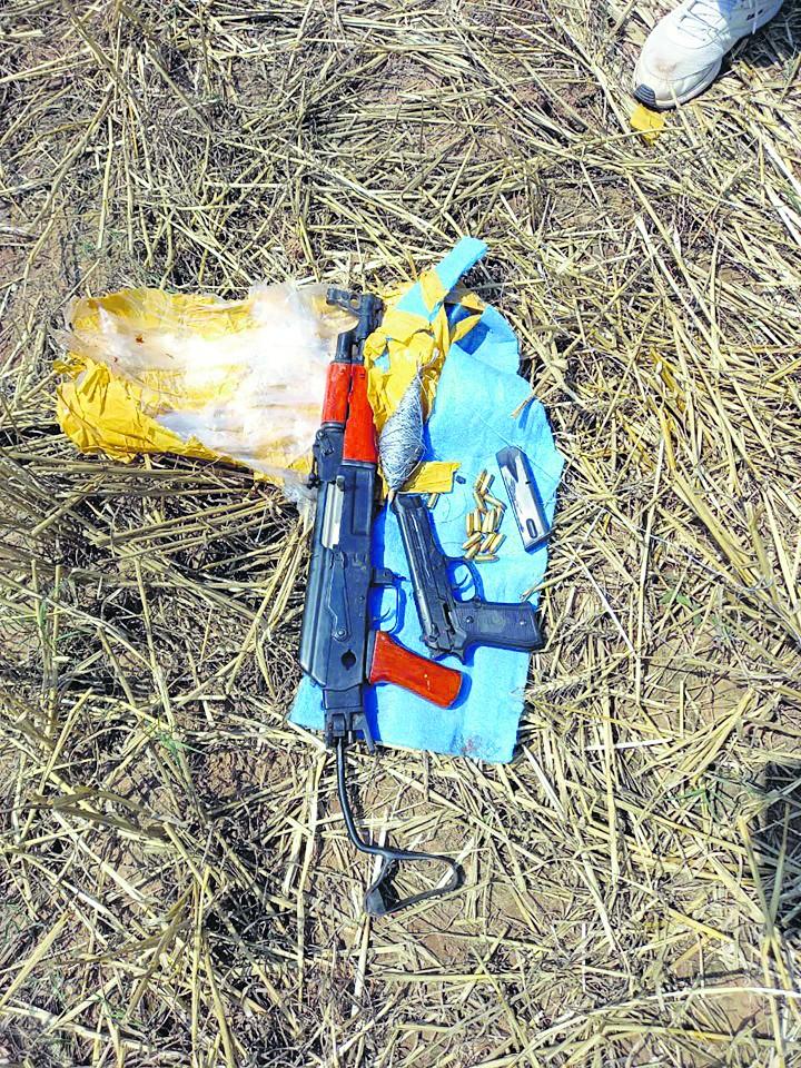 सांबा में पाकिस्तानी ड्रोन ने गिराये हथियार
