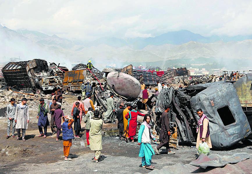 काबुल में ऑयल टैंकरों में आग, 7 की मौत