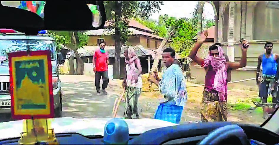 केंद्रीय मंत्री मुरलीधरन के काफिले पर हमला