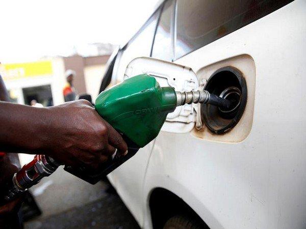 पेट्रोल 15 और डीजल 18 पैसे लीटर हुआ महंगा