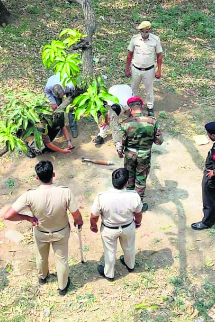 कालका में मिला मोर्टार बम