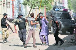 इमरान के 'नये पाकिस्तान' में वर्गीय तनाव