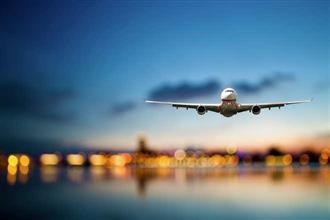 श्रीलंका ने भारत से यात्रियों के आगमन पर तत्काल प्रभाव से लगायी रोक