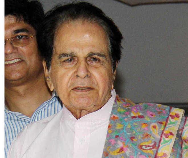 दिलीप कुमार को अस्पताल से मिली छुट्टी