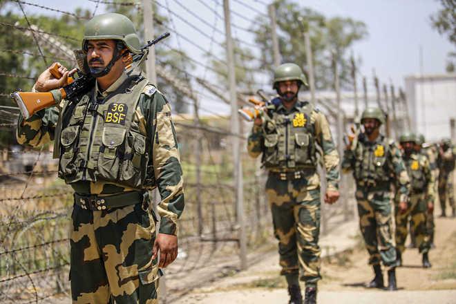 कोलकाता : भारत-बांग्लादेश सीमा के पास से बीएसएफ ने चीन नागरिक पकड़ा