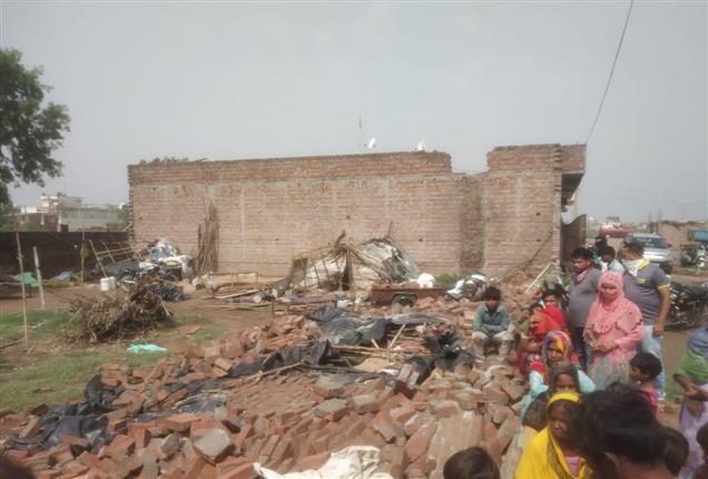 पटियाला में भारी बारिश, आंधी ने एक परिवार के 4 सदस्यों सहित 5 की ली जान