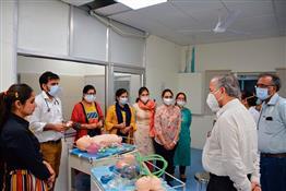 पीजीआई में बच्चों के कृित्रम अंगों पर डॉक्टरों को सिखा रहे कैसे जीतेंगे जंग