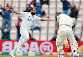 न्यूजीलैंड को पहली पारी में 32 रन की बढ़त