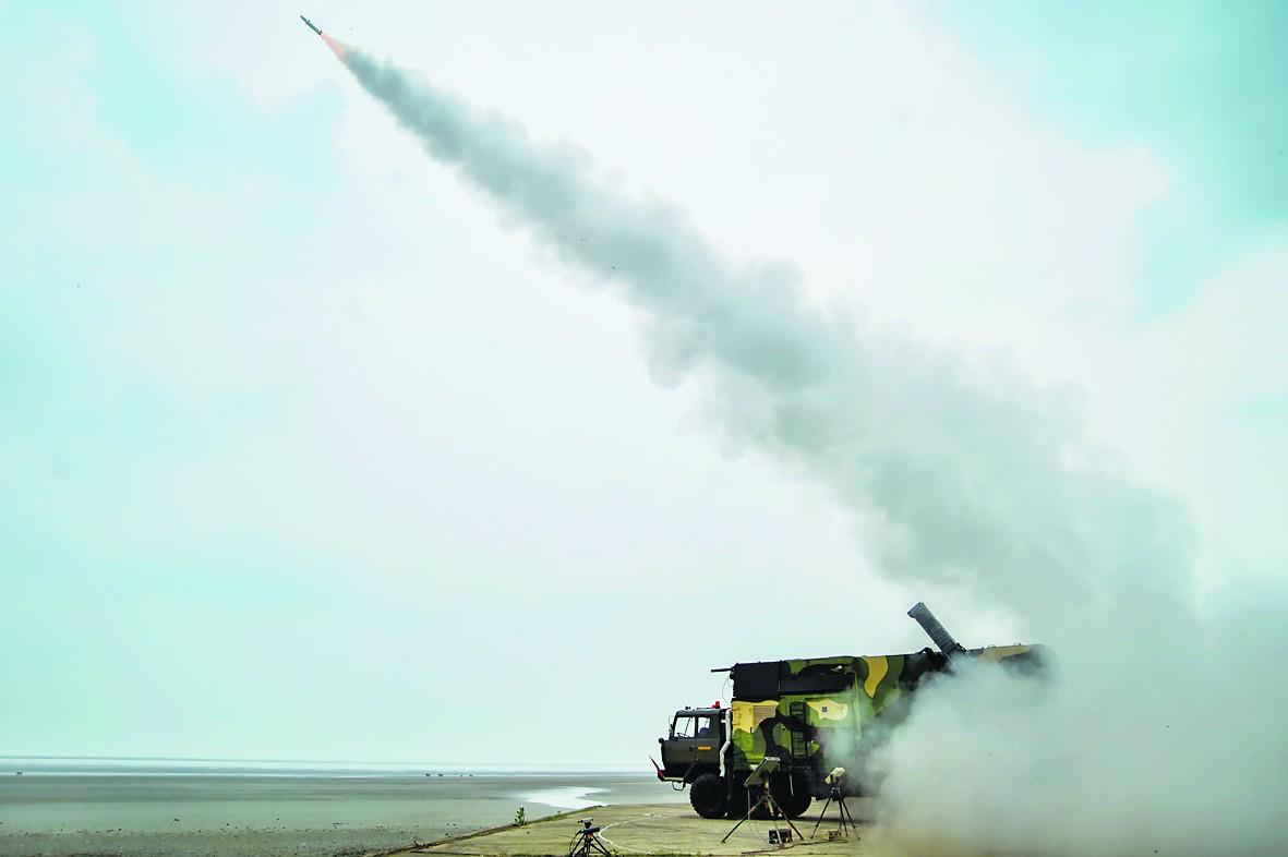 आकाश मिसाइल के नये संस्करण का सफल परीक्षण