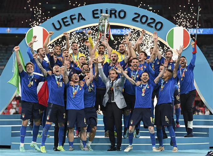 इटली बना यूरो चैंपियन, पेनल्टी शूटआउट में इंगलैंड को हराया