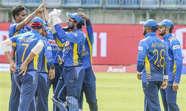 आखिरी वनडे में श्रीलंका ने भारत को 3 विकेट से हराया