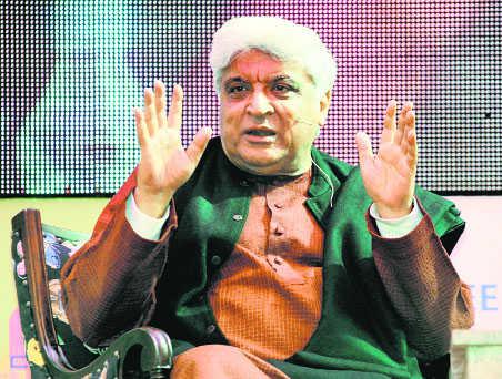 मुस्लिम पुरातनपंथियों और हिंदू चरमपंथियों का विरोधी हूं : जावेद अख्तर