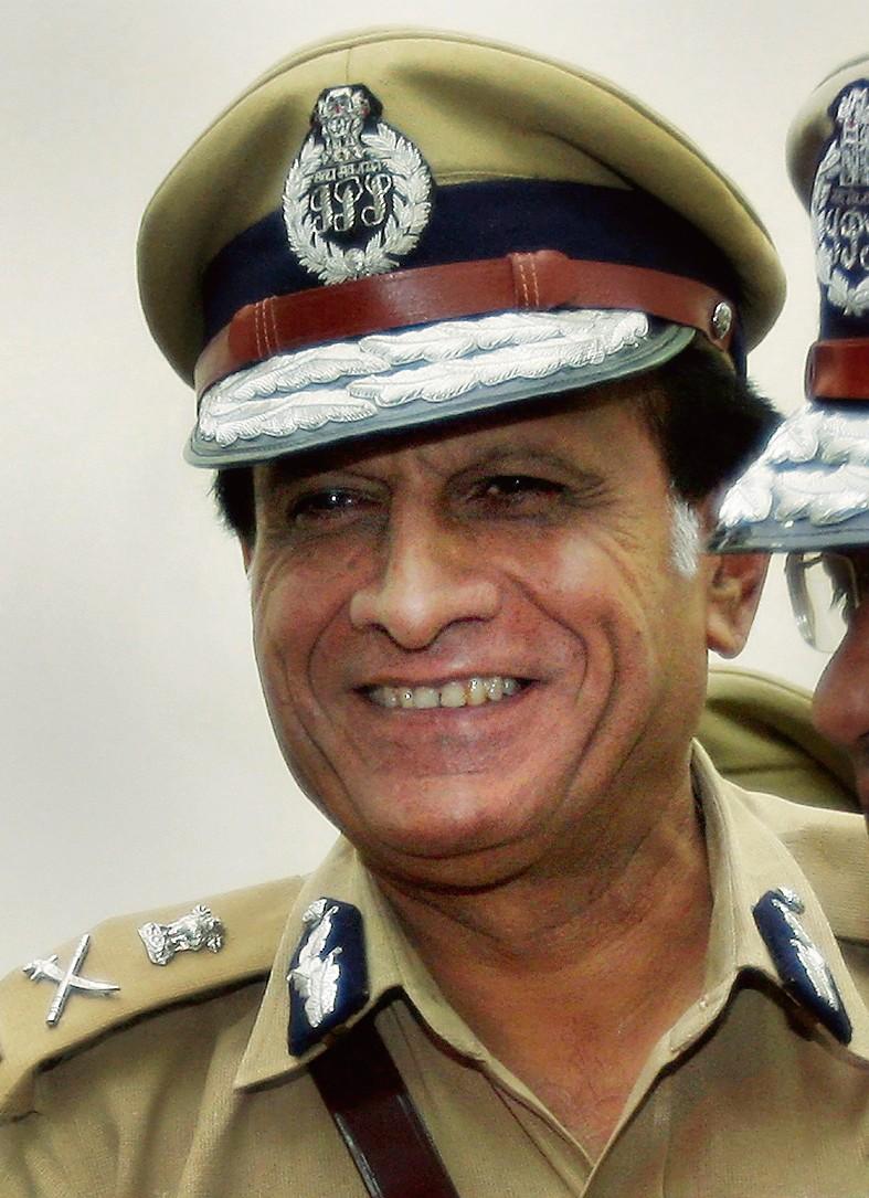 दिल्ली के पूर्व पुलिस आयुक्त डडवाल का निधन