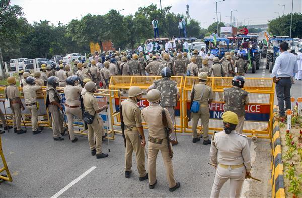 भारत बंद : दिल्ली पुलिस ने सीमा पर सुरक्षा की कड़ी, प्रदर्शनकारियों की दिल्ली एंट्री बैन