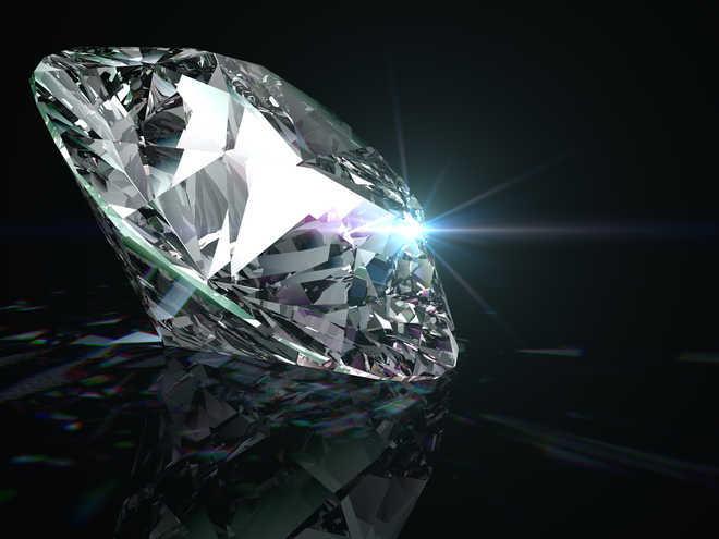 पहले दिन 1.27 करोड़ में नीलाम हुए 86 हीरे