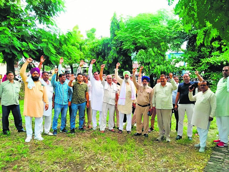 पंजाब रोडवेज कर्मियों के समर्थन में विरोध प्रदर्शन