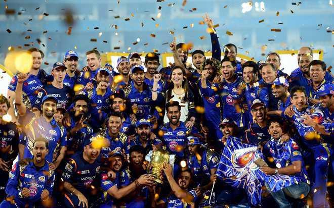 यूएई : आईपीएल के मैचों में होगी दर्शकों की वापसी!