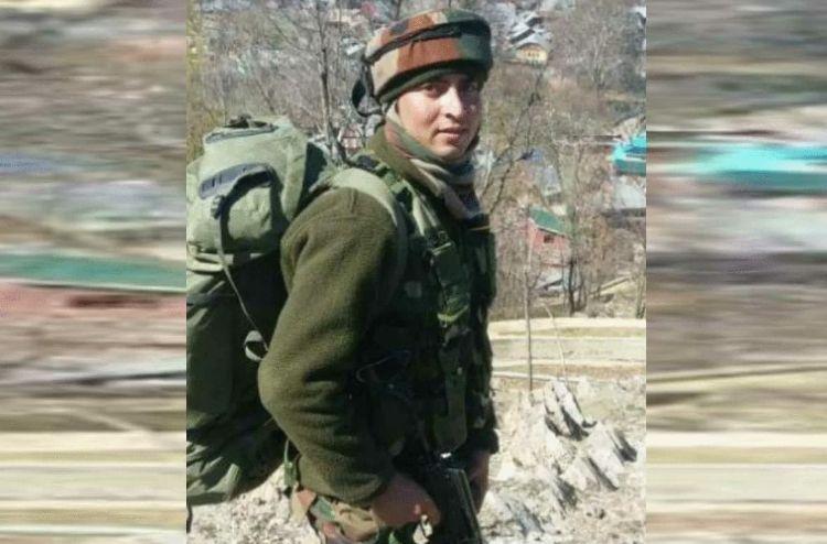 जम्मू-कश्मीर में सड़ी-गली अवस्था में मिला टेरिटोरियल आर्मी जवान का शव, आतंकियों ने की थी हत्या