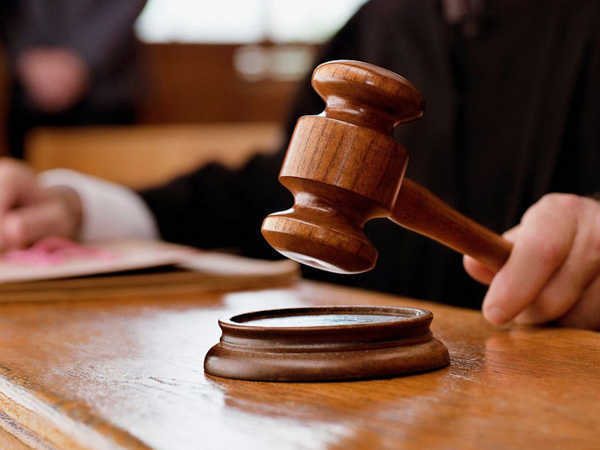 चुनाव घोषणापत्र में नकद देने के वादे को भ्रष्ट आचरण घोषित करने की याचिका पर निर्वाचन आयोग को नोटिस